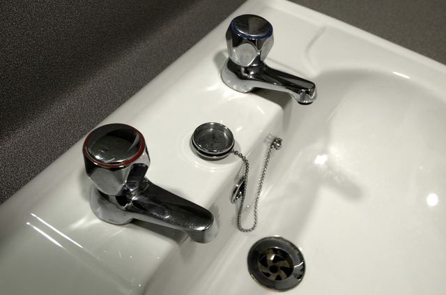 Sink: Hot and cold water don't mix
